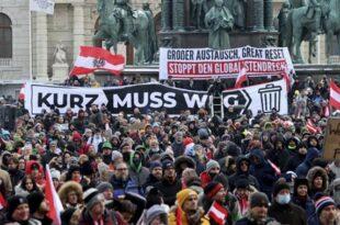 Велики протест против корона диктатуре у Бечу, режимски ботови на контрамитингу (видео)