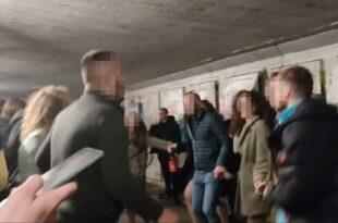 Београдски студенти у колу: Неће Гара да прими вакцину! (видео)
