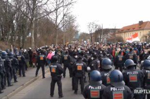 Побуна народа у Немачкој и Британији: Стоп корона диктатури, сукоби с полицијом (видео)
