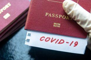 Стотине хиљада Британаца потписује петицију против КОВИД пасоша