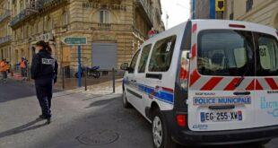 Полиција трага за мушкарцем који је пререзао гркљан пензионеру код цркве у Монпељеу
