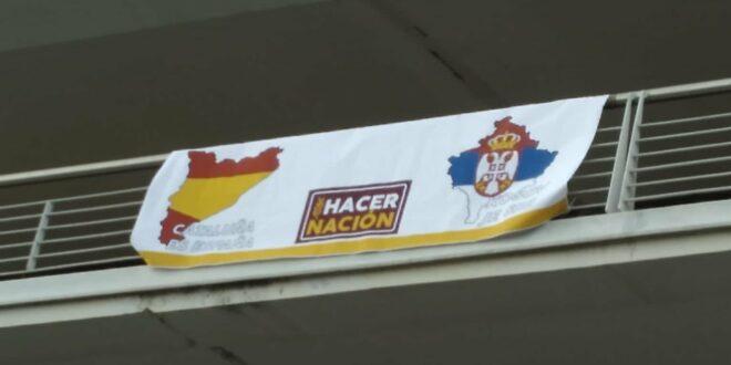 """Шпанци уз """"Косово је Србија"""" дочекали шиптарску фудбалску екипу са Косова и Метохије"""