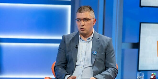 Милан Думановић: Новац од продаје дроге у Србији деле СНС и БИА