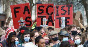 Масовни протести у Енглеској и Велсу због закона који полицији даје већа овлашћења у сузбијању протеста (видео)