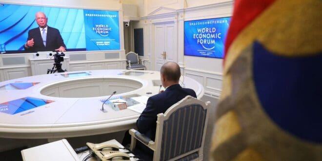 """Путин: Свет не може са економијом за милион људи, чак ни за """"златну милијарду"""" - то је деструктивно"""