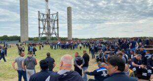 """У Каленићу се одржава протест рудара и запослених у ТЕНТ због обустављања изградње термоелектране """"Колубара Б"""""""
