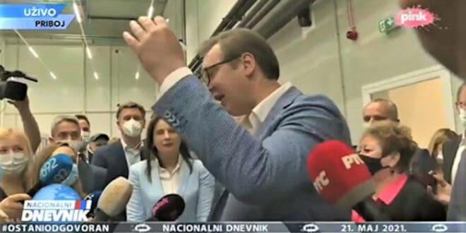 ВУЧИЋ: Kо је незадовољан нека се сели из Србије! ИМА БРЕ ДА РАДИТЕ, ОВДЕ ЈЕ ТЕЖАK ХЛЕБ…(видео)