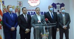 Командант лазаревачких напредњака за венчаног кума Небојшу Стефановића: Ко му јебе матер!