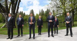 Опет се скупила браћа без гаћа да паламуде небулозе и раде Србији о глави