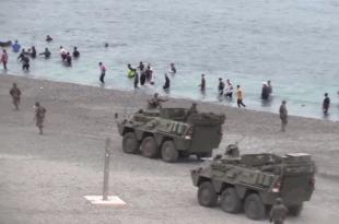 ИНВАЗИЈА: Хиљаде миграната покушавају да продру у Шпанију, војска на граници (видео)