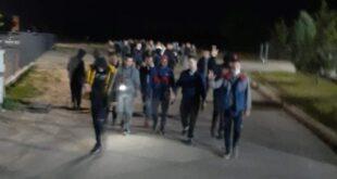 Огромне патроле ноћу иду Паланком, дижу 3 прста и траже мигранте! НЕЋЕТЕ НАМ НАПАДАТИ ЖЕНЕ…