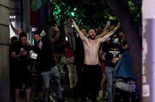 Шпанци на улицама прославили укидање ванредног корона стања (видео)