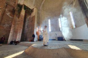 Приштина: Слава у Храму Христа Спаса после 23 године (фото, видео)