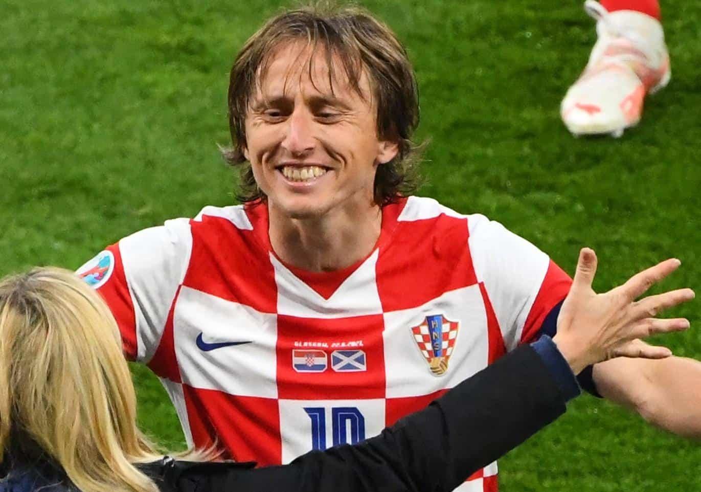 Хрватска фудбалска репрезентација на ЕУРО 2020 носи усташки грб Павелићеве НДХ! (фото)