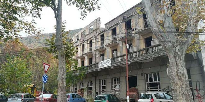 """Хотели руинирани и запуштени, а Брнабићка каже да ће Нишка Бања """"бити све лепша и јача"""""""