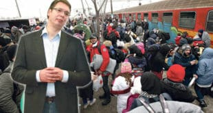ВУЧИЋ: Мигранти који остају у Србији имаће бесплатно образовање, уложено је 11 милиона евра!