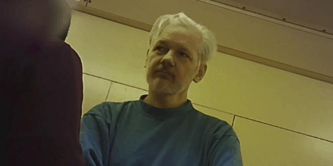 Kључни сведок против Асанжа у случају Викиликс признао да је за паре лагао на суђењу