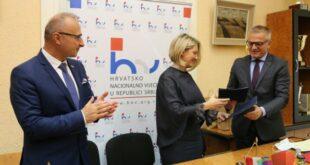 """Ко је бре овом носатом ујаку дозволио улазак у Србију?! У Суботици почела изградња """"Хрватске куће"""""""