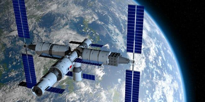 Кина: Ракета са три тајконаута полетела ка новој свемирској станици