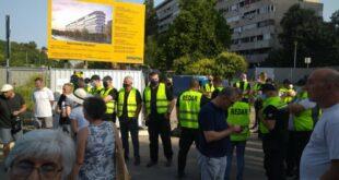 Безакоње и батинаши у Београду: Сукоб станара и обезбеђења у Блоку 37, дошла и полиција (видео)