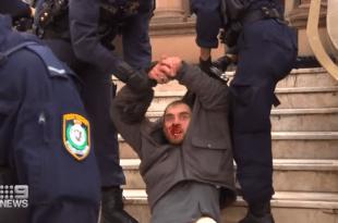 БОРБА ЗА СЛОБОДУ: Полиција у Аустралији послала коњицу да гази људе јер су против ковид мера! (видео)