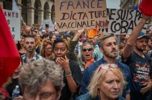 Марш широм Француске против Макронових мера (видео)