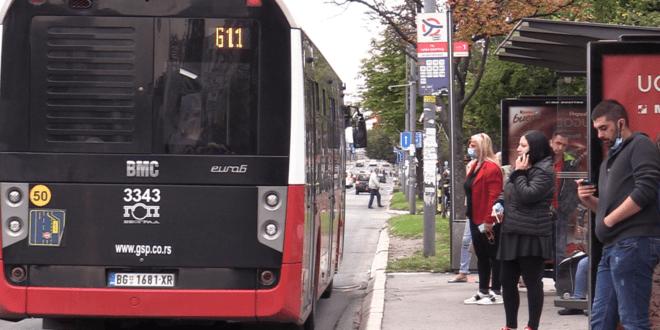 НАРОДУ ПРЕКИПЕЛО: Претукао Весићеве приватне контролоре на линији 77!