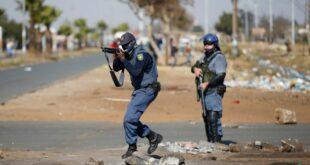 Хаос у Јужноафричкој Републици: Војска на улицама (видео)