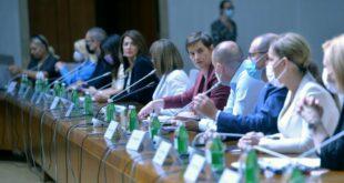 Противно СЗО: Кризни штаб донео одлуку о трећој дози и мешању вакцина у Србији!