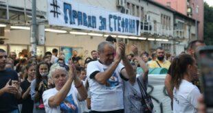 Опроштај од трагично настрадалог дечака: Аплауз се проломио Карабурмом (видео)