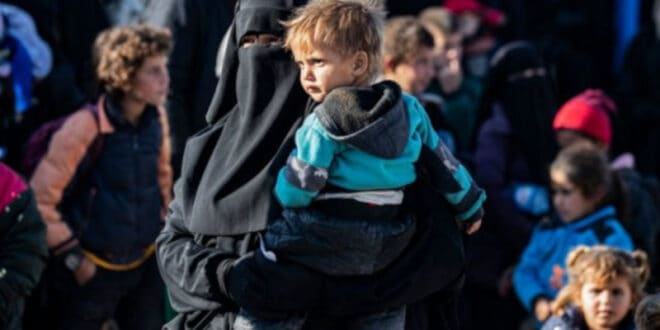 Терористи ДАЕШ-а са фамилијама враћени из Сирије на Косово и Метохију