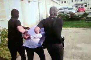 Инспектору СБПОK-а истекао притвор, без званичне оптужнице због одавања информација Беливуку