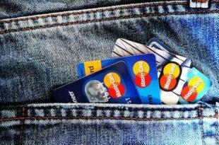 Крај једне ере: Отисак прста и чип уместо магнетне траке на платним картицама