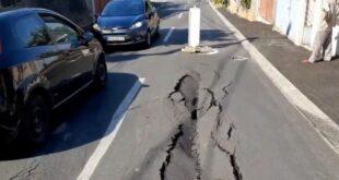 Ниш: Пре месец дана обновљена улица испуцала и потонула (фото)