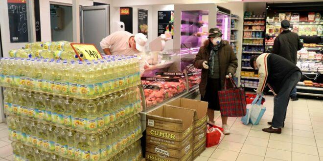 Пресушују и новчаници: Колико ће још због велике жеге поскупети храна у Србији?