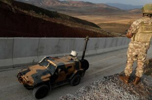 Чавушоглу: Турска неће отворити прихватни центар за Авганистанце