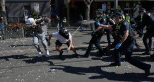 Сукоби са полицијом и хапшења: Протести у Аустралији због карантина и полицијског часа (видео)