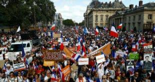 Французи поново на улицама због ковид пропусница, широм земље око 200 скупова и најмање око 150.000 учесника (видео)
