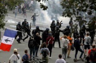 Више стотина хиљада људи изашло на француске улице против антикорона мера (видео)