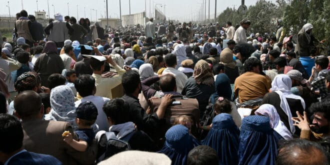 Талибани: Авганистанцима више не дозвољавамо одлазак на аеродром у Kабулу