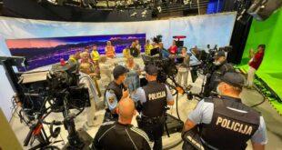 Словенија: Противници вакцинације упали на снимање Дневника (видео)