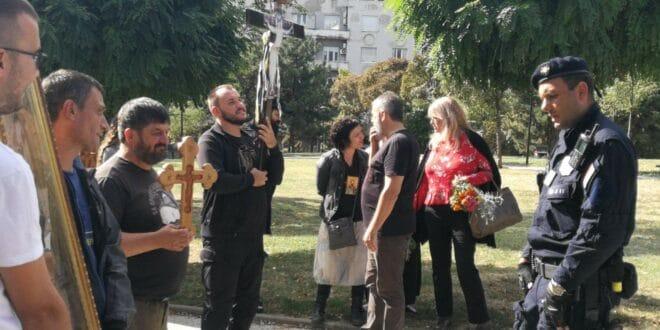 Београд: УХАПШЕНИ верници у литији да не би ометали Вучићеву геј параду! (фото, видео)