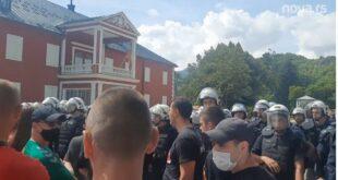 Цетиње: Мило Ђукановић, политички мртвац уз помоћ пар стотина криминалаца спрема напад на СПЦ (видео)