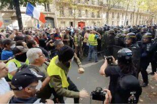 Француска: Масовни протест Француза против ковид пасоша и жестоки сукоби са полицијом (видео)