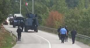 Шиптарски терористи почели одузимање таблица, Срби блокирали Јариње у оба смера (видео)