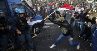Масовни протести у Риму због ковид пропусница, полиција се повлачи пред народом! (видео)