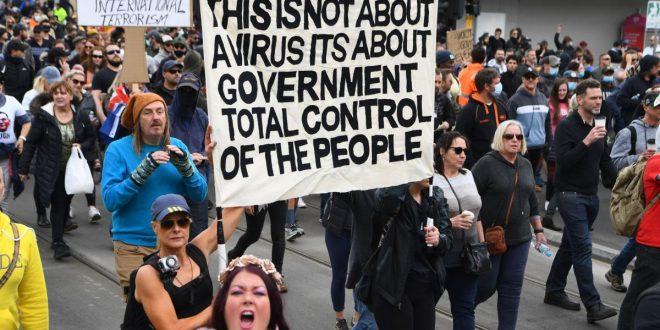 Аустралијске елите буквално тероришу становништво због неношења маски?! (видео)