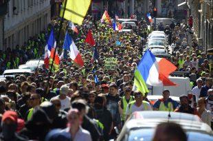 У више од 170 градова Француске протести против принудне вакцинације (видео)