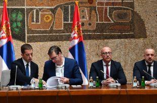 Вучићева издајничка фукара наставља да разбија српску државу и уништава српски народ