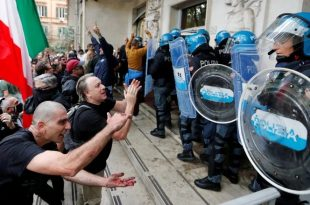 Стотине хиљада људи широм Европе на масовним протестима против ковид пропусница (видео)